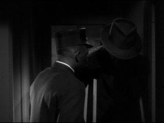 Д-в-о-йная с-траховка (1944)