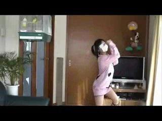 Японочка красиво танцует ^___^