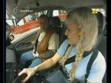 Полячка-блондинка сдаёт экзамен по вождению