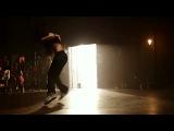 танцовщица Мадонны София Боутелла в клипе М.Джексона.