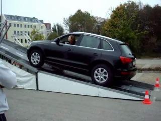 Audi Q5 сосёт у BMW X3