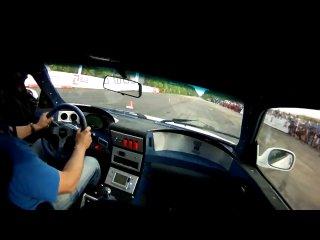 Bugatti veyron 1001hp vs vaz 2101 60hp зелена ракета від з капєйки
