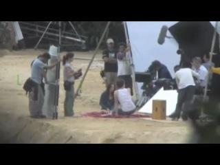 Фильмы~Рассвет~Со съемок~Роб и Кристен. Сцена на пляже