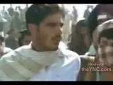 Мужчина и женщина забиты камнями в Афганистане . Как много желающих стать палачом....