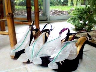 Инструкция для девушек как растянуть туфли)))