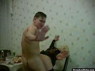 Порно ролик пьяной мамочки — photo 8