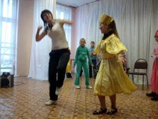 Подготовка к Новогодней сказке)ученики 33 школы)