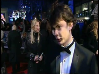 Interview with Skandar Keynes from the red carpet at the premiere of The Chronicles of Narnia: The Voyage of The Dawn Treader