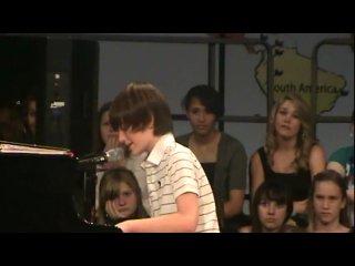 12-летний школьник, перепевший Lady Gaga, стал суперзвездой YouTube