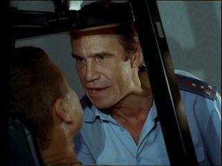 Человек в наручниках...уже не Человек...Отрывок из х/ф «Ворошиловский стрелок»
