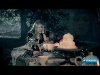 Avril lavin-Alisa