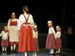 Финские народные танцы. Санни 4 года