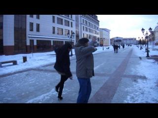 Русский танцует лезгинку и Армянки))