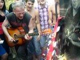 На могиле Хоя 4.07.2010(Колхозный Панк)