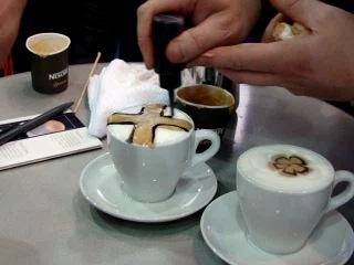 Латте-арт: искусство рисовать на кофе...