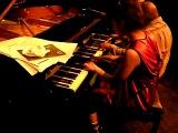 Hiromi Uehara &amp Oliver Jones Piano Duet