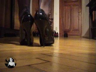 Madame Catarina - Choosing The Right Heels