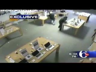 Ночное ограбление в магазине Apple Store (за 31 секунд)