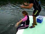 Дельфин надругался над девушкой
