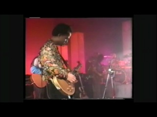 Pixies - 23 - Trompe Le Monde (Live At Brixton Academy, London, 26.06.91)