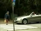 Как бабушки переходят дорогу...