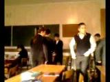 Наш класс в то время, когда учителя выходят из кабинета (6