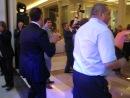 танец дмитрия медведева и гарика мартиросяна под песню '' american boy '' )))