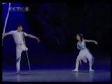 Удивительно, красивый, трогательный танец.