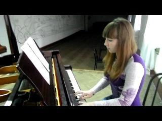 Ксения Ларшина ( Васькина ) играет Клубняк на пианино