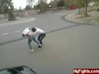 Тайский боксёр против дзюдоиста