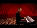 Twin Peaks music on piano- Falling + Laura Palmer`s Theme.