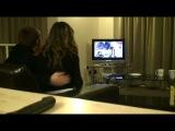 Парень обыграл свою девушку в MW2, ей немного снесло крышу)))