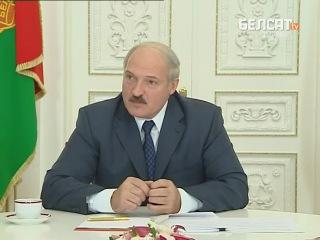 Лукашенко и чай (вот как надо уходить от вопроса, Путин нервно курит в сторонке)