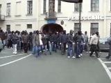 Смотрим Все!!!!!Футбольные Фанаты Спартак Москва!Начало прохода в Питере. 29 ноября 2009