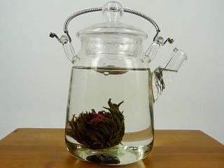 Заваривание цветочного чая. http://vk.com/king_joy   Чайная компания