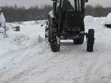 чищю снег на МТЗ-82(звук без глушителя)