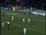 невероятные голы Ибрагимовича и Роналдиньо в матче против Осера=)