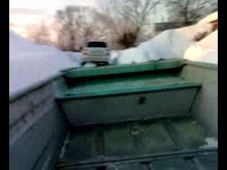 Катания на лодке по льду)