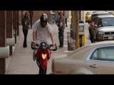 Как Джим Керри ездит на мотоцикле (Фильм: Всегда говори ДА)