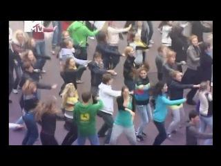 Танцевальный флешмоб под песню Кар-Мен.