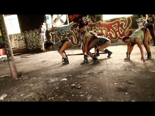 Beyonce - Who run the world (Girls). Official music video by Sean Bankhead
