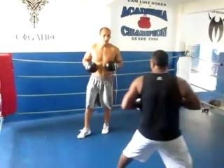 Ударная тренировка Джуниора Дос Сантоса