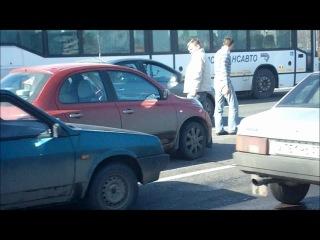 Мелкое ДТП на Варшавке привело к драке (1.04.11)