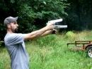стрельба из двух Desert Eagle-ов и смех Питера Гриффина за кадром
