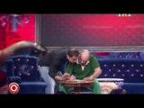Comedy Club - Роман Юнусов и Демис Карибидис - Асфальтоукладчики летом на солнцепеке)