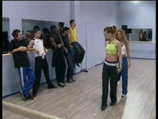 Фабрика звёзд-1 - А. Асташенок на репетиции танца девочек (2002)