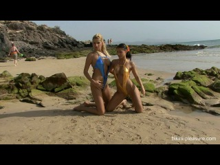 Shiny lycra helen bikini-pleasure