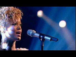 Rihanna-russian roulette live at skavlan