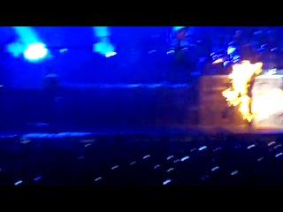 Горящий зритель на концерте Рамштайн
