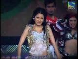 56 Filmfare Awards - Выступление Анушки Шармы и Ранвира Синха